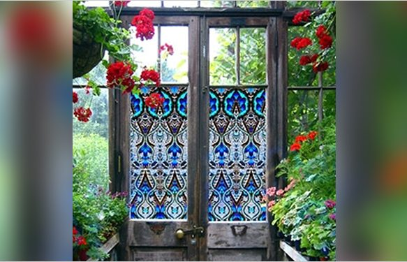 Advantages and Disadvantages of Stain Glass Windows?