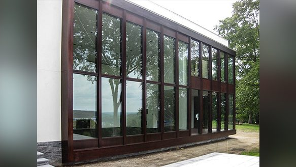 What are the advantages and disadvantages of Insulated Glass
