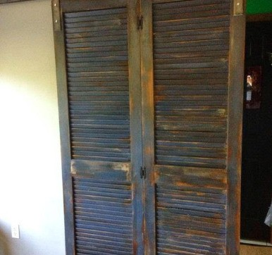 Rustic Old Charm Louvered Door