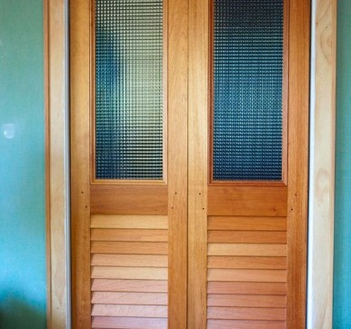 Solid Pine Wood Louvered Door