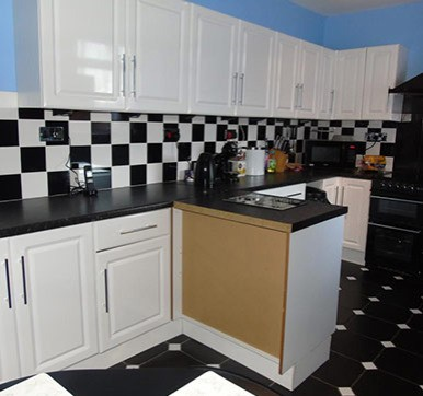 Black and White Combo Kitchen Wall Tiles Design