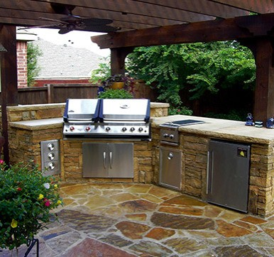 Outdoor Kitchen Design Built with Stones