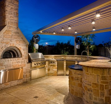 Outdoor kitchen design with Strategic Lighting