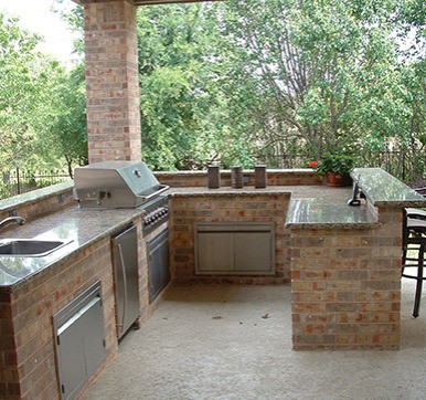 U Shaped Outdoor Kitchen Design